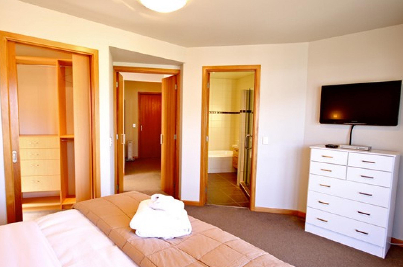 bedroom23